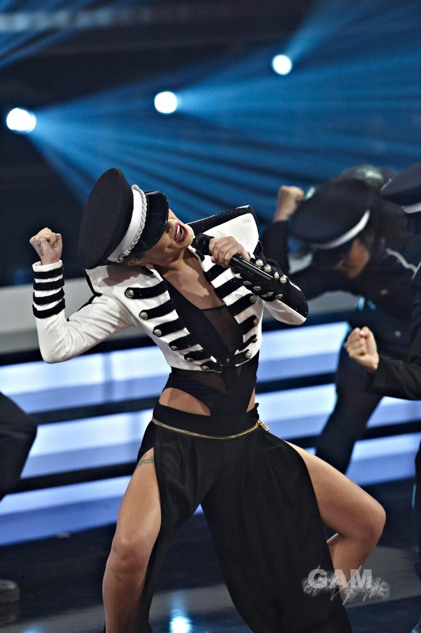 Cheryl cole fashion police 21